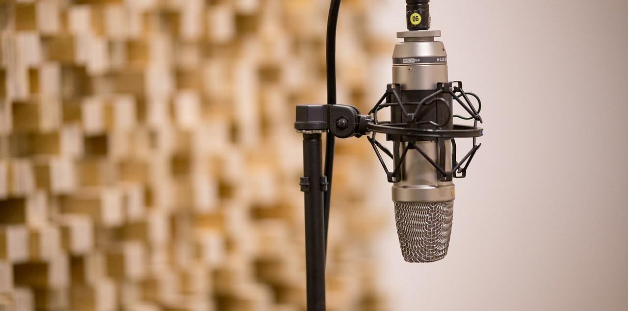 radio-min